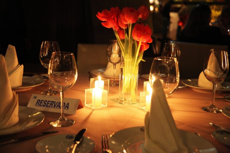 jantar-luz-de-velas-e1472837705967.jpg